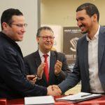 Signature de contrat entre Srike Motors & MonResto
